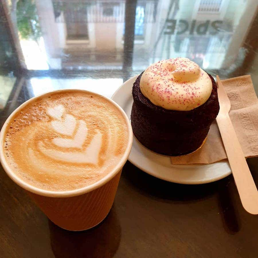 take away coffee and cake from spice café poble sec